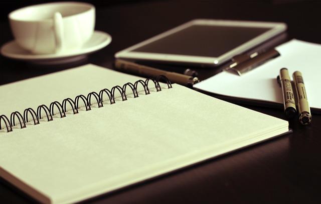 Comunicação escrita: elaboração e revisão de textos